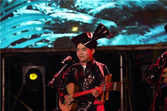 5侗族大歌表演。通讯员 赵琴 摄